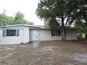 713 HUTTO RD NORTH FORT MYERS, FL 33903